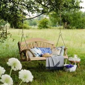 swing-seat-in-garden-country-homes-and-interiors-housetohome-co-uk